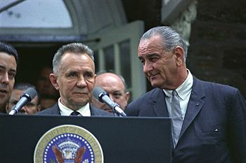 President of USA Lyndon B. Johnson (r.) with Soviet Premier Alexei Kosygin