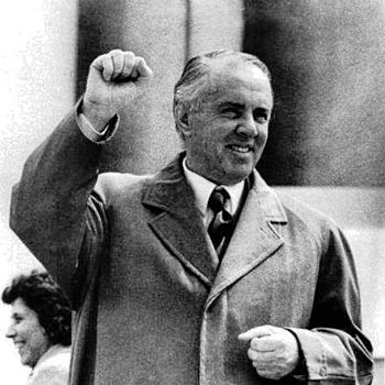 English: Enver Hoxha at the top of his power ?...