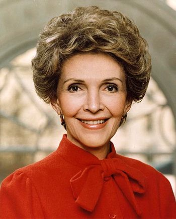 Official White House photograph of Nancy Reagan
