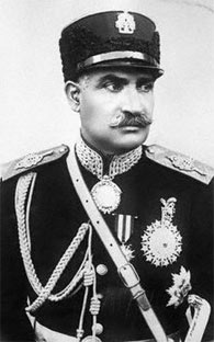 English: 1920s photo of Shah Reza Pahlavi. Ass...